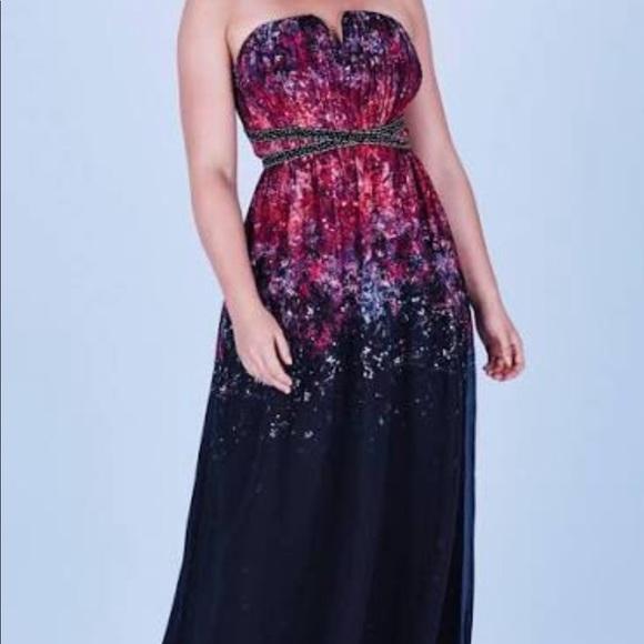 Long Formal Strapless Dress Size22